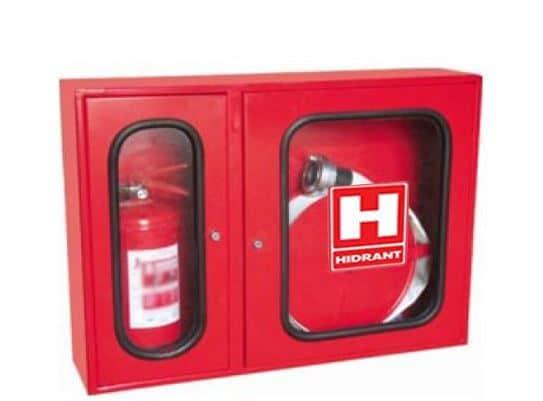 Când trebuie montați hidranți de incendiu la o clădire de birouri sau un depozit